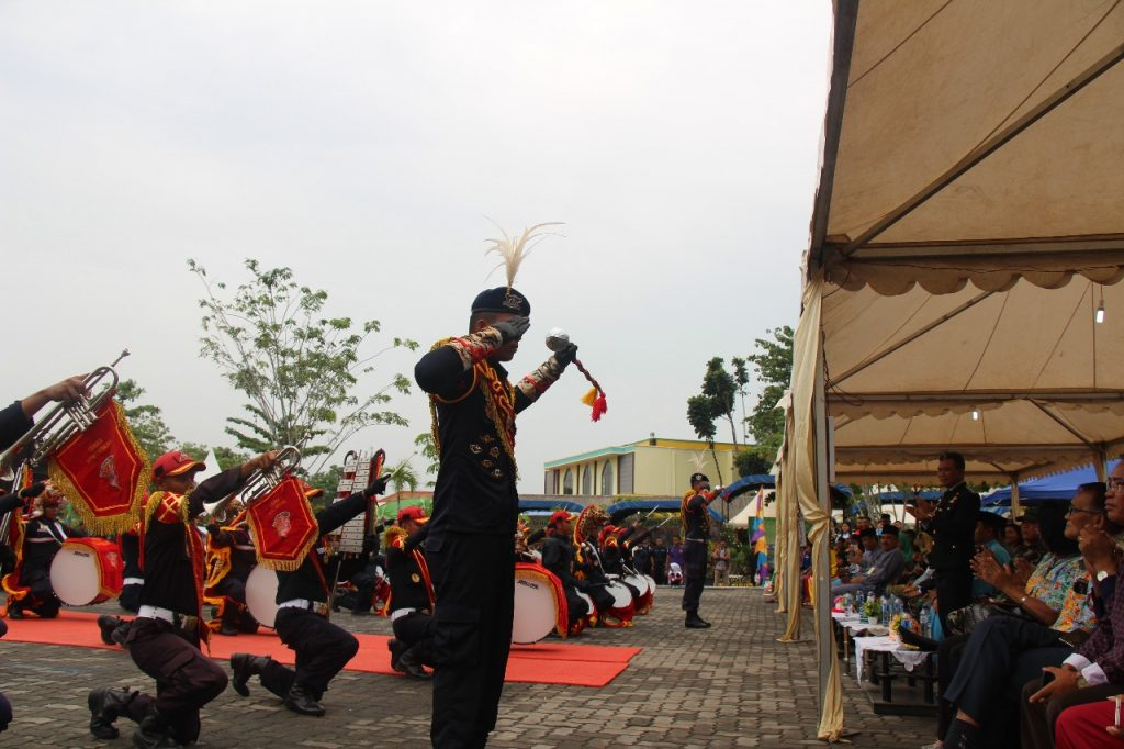 Drumband Canka Putra Perkasa tampil di Lapas Barelang
