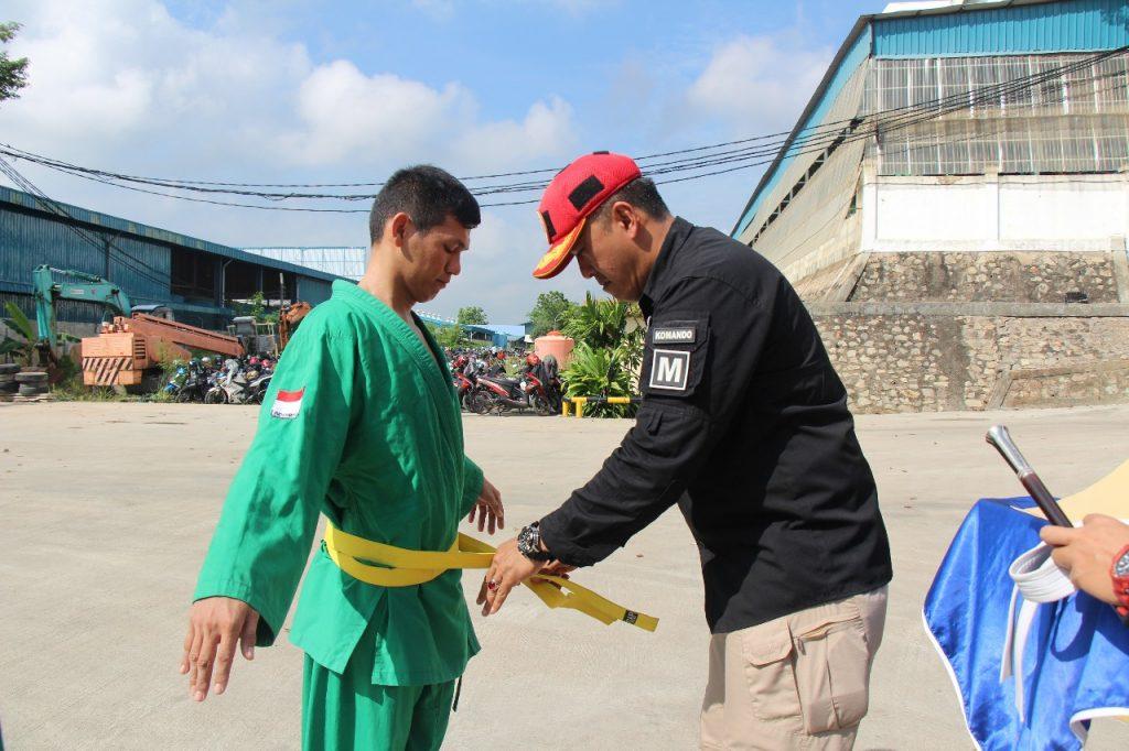 Pemakaian Sabuk kuning oleh Dirut PTP