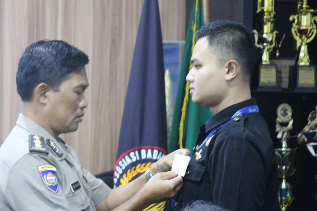 Pelatihan Satpam Security Gada Pratama angkatan 28 - penyematan pita