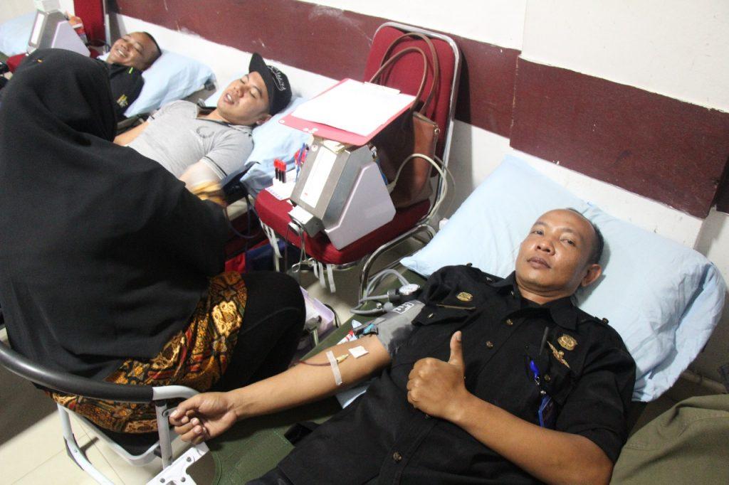 Satpam Security di Batam ikuti Donor Darah di PT. Putra Tidar Perkasa