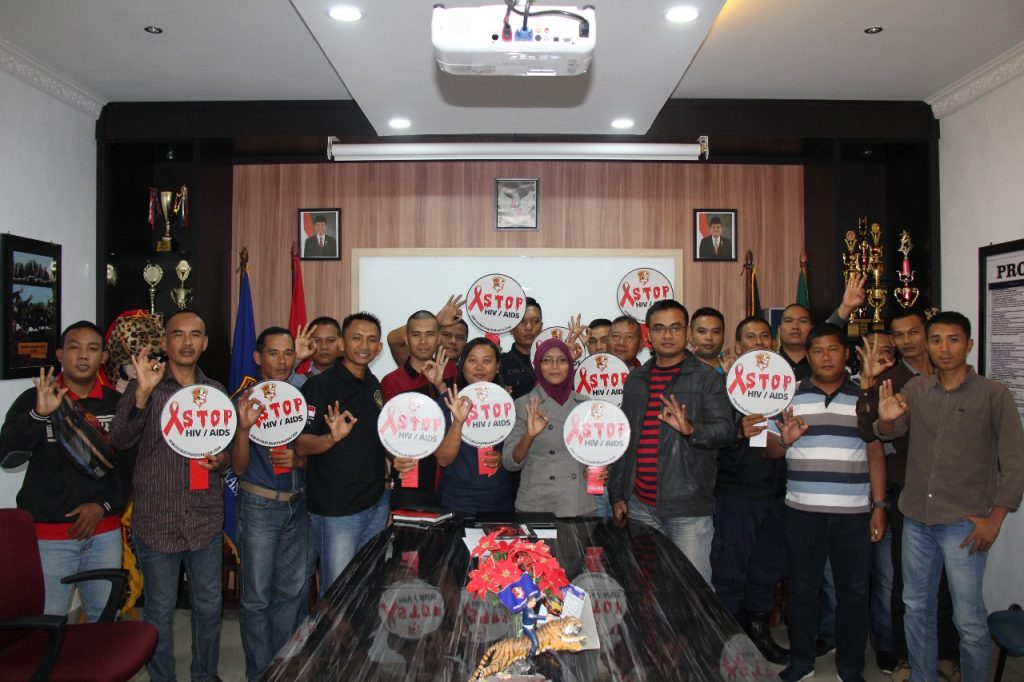 Sosialisasi Peduli HIV AIDS kepada Chief Security dan Leader