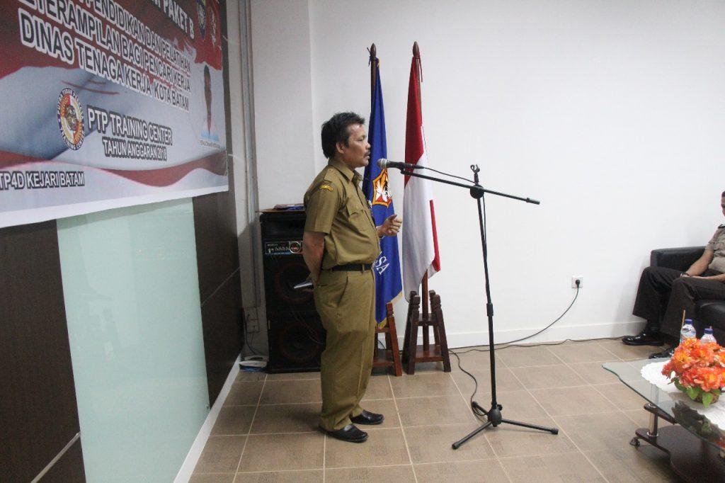 Penutupan Gada Pratama oleh Kepala Seksi Pelatihan Kerja Disnaker Kota Batam