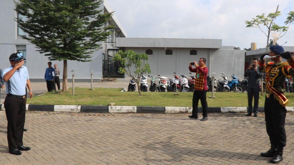 Penyambutan Kapolda Kepri Irjen Pol. Drs. H. Didid Widjanardi dalam acara Hari Anti Narkotika Internasional 2018 oleh Drumband Satpam Canka Putra Perkasa
