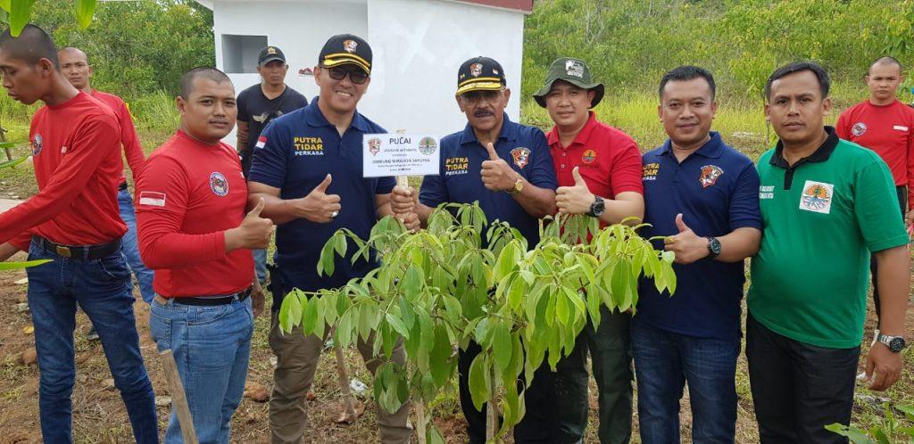 Komisaris dan Dirut lakukan Penanaman Pohon di TWA