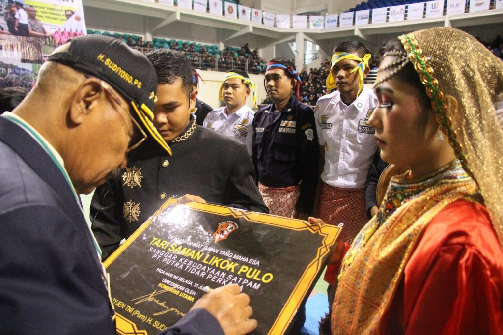 Peresmian Tari Saman Likok Pulo oleh Komut PTP
