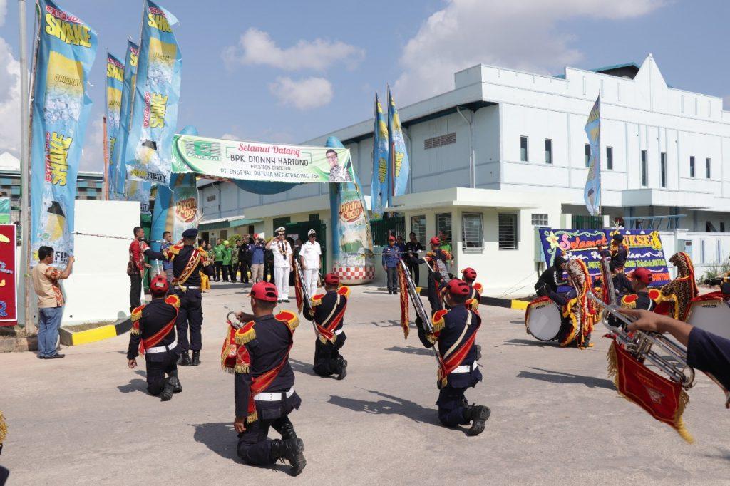 Drumband Satpam Canka Putra Perkasa event peresmian kantor baru Enseval