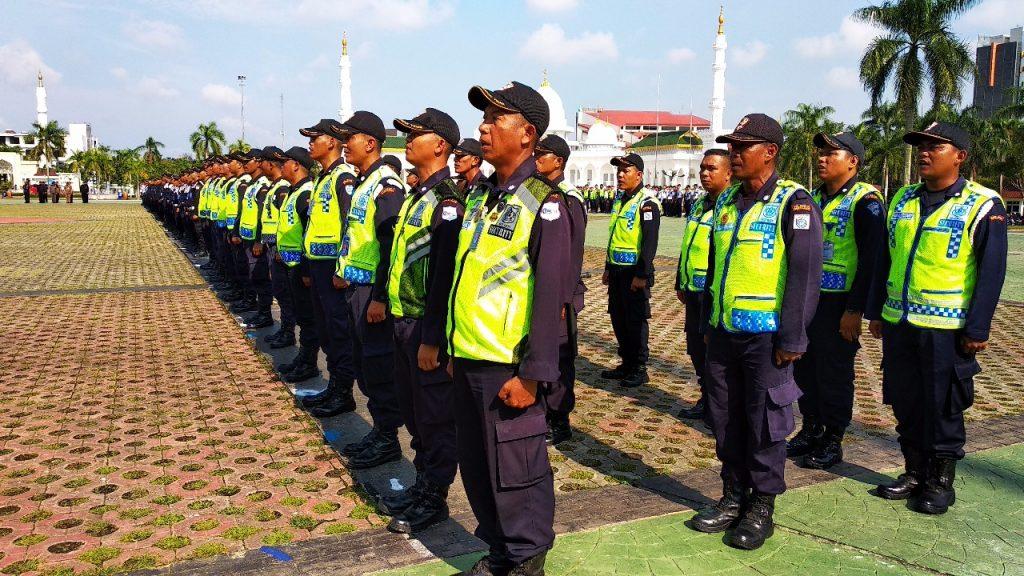 Security Guard PT. Putra Tidar Perkasa mengikuti upacara bulanan