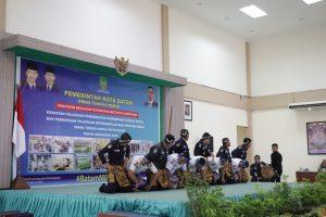 Read more about the article TARI SAMAN SATPAM PT.PTP MERIAHKAN ACARA DISNAKER KOTA BATAM