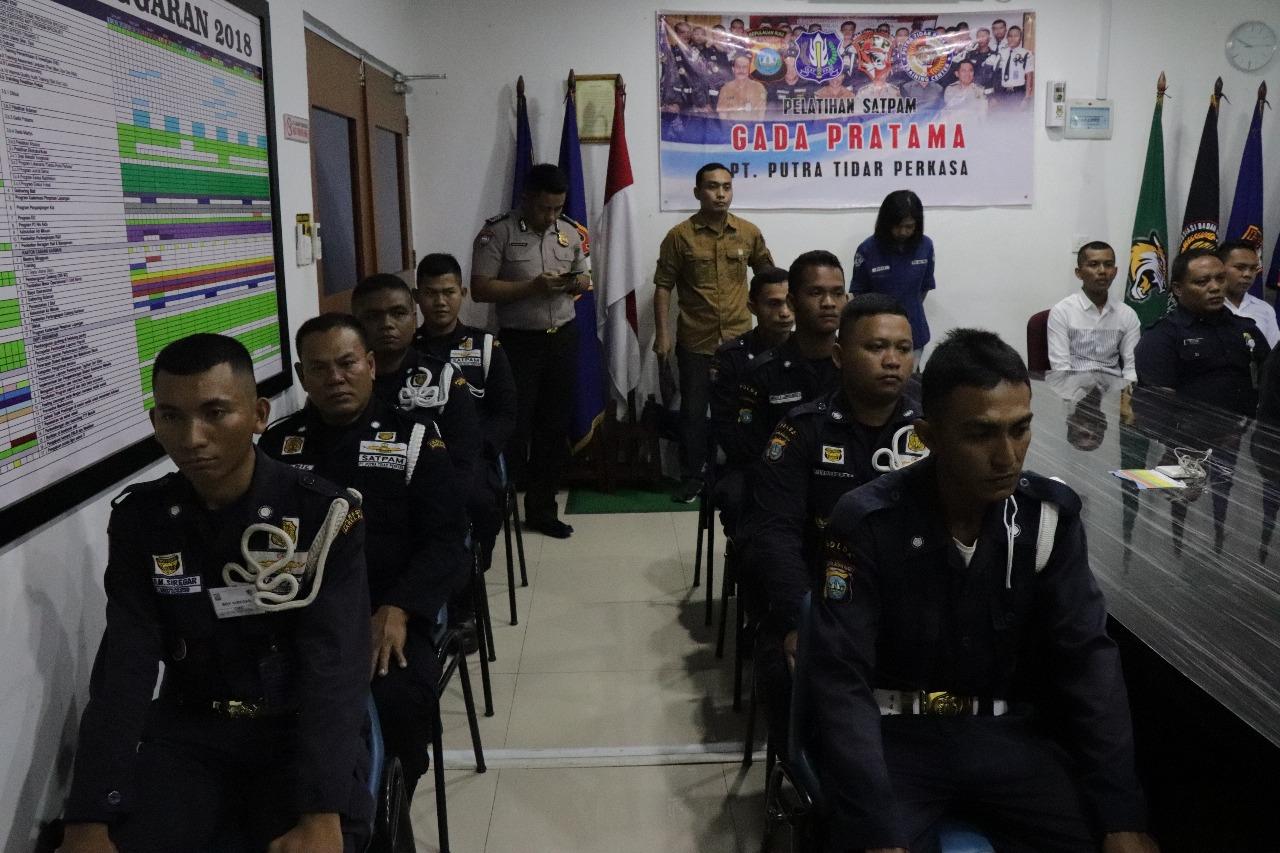 PTP Training Center : Latih Satpam agar miliki Kompetensi Dasar Gada Pratama