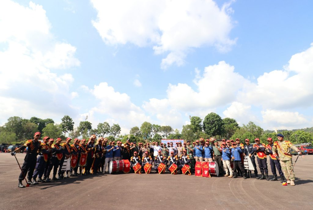 Jasa Satpam di Kota Batam - Putra Tidar Perkasa - Drumband Satpam Canka Putra Perkasa berfoto bersama Gubernur Kepri dan Kapolda Kepri