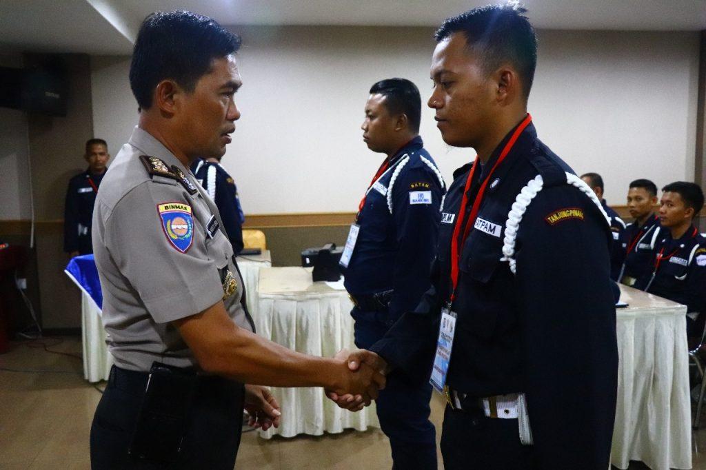 pelatihan satpam gada pratama - PTP Training Center bekerjasama dengan Binmas Polda Kepri