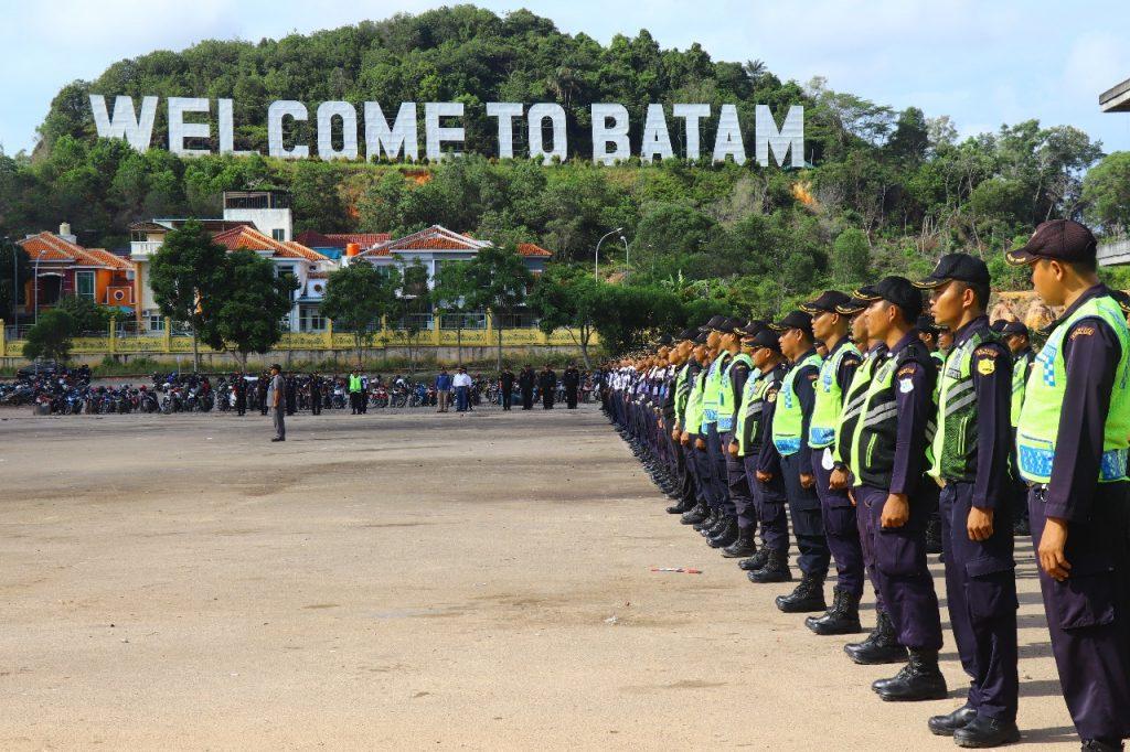 Jasa Keamanan Perusahaan Batam - Satpam PTP ikuti upacara bulanan di Welcome To Batam - PT. Putra Tidar Perkasa