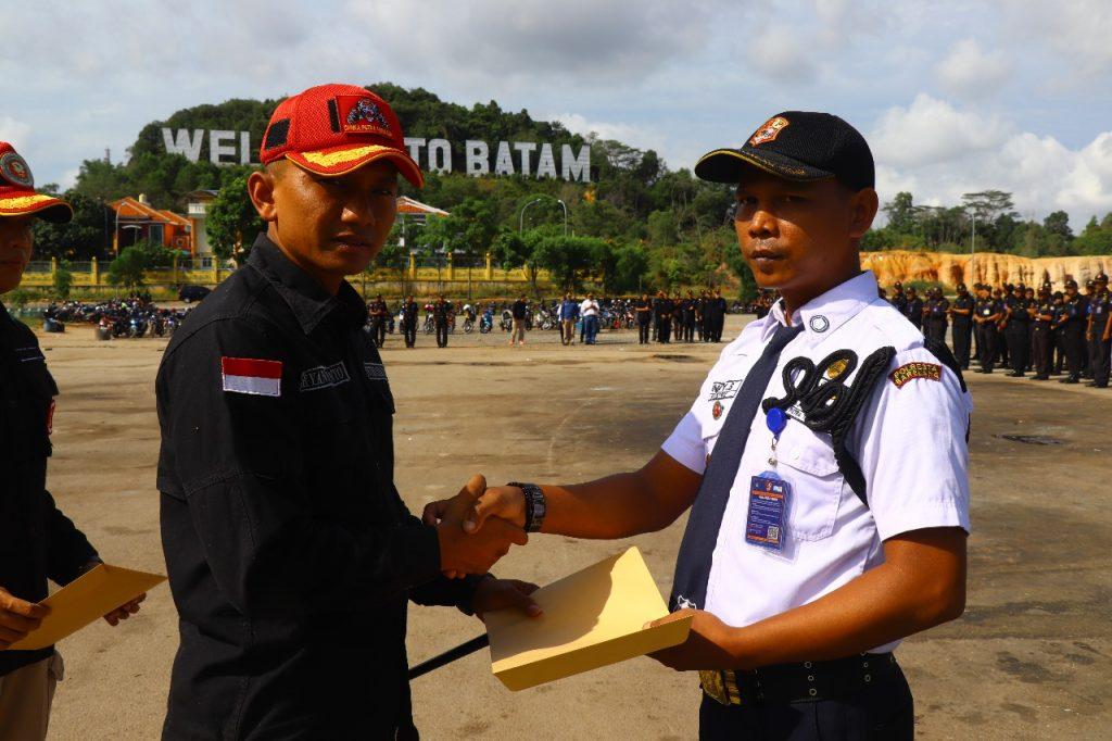 Jasa Keamanan Perusahaan Batam - Upacara Bulanan PTP untuk meningkatkan pelayanan - PT. Putra Tidar Perkasa