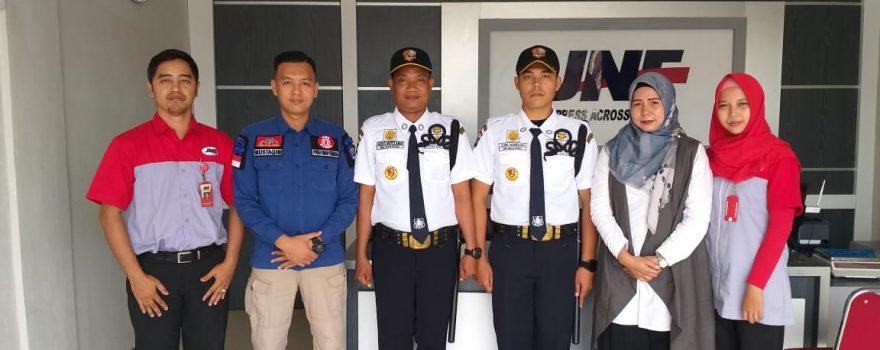 Jasa Pengamanan Terbaik di Kepri - PT. JNE Dina Utama gandeng PTP sebagai Pengamanan perusahaannya - Putra Tidar Perkasa