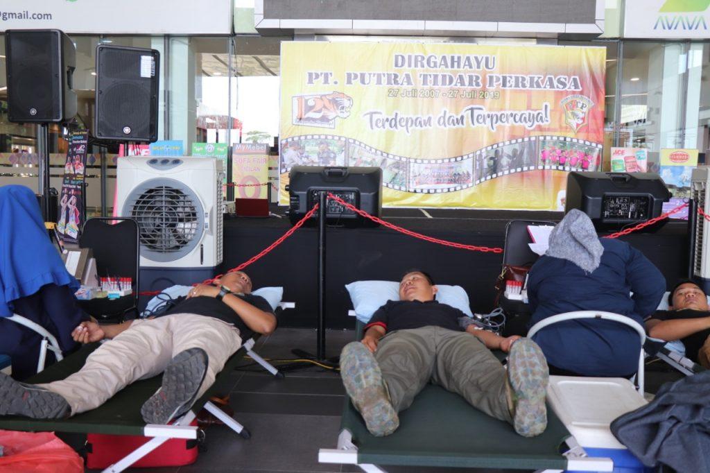 Acara-Donor-Darah-di-Batam-Dirgahayu-PTP-ke-12-di-Mall-MB2
