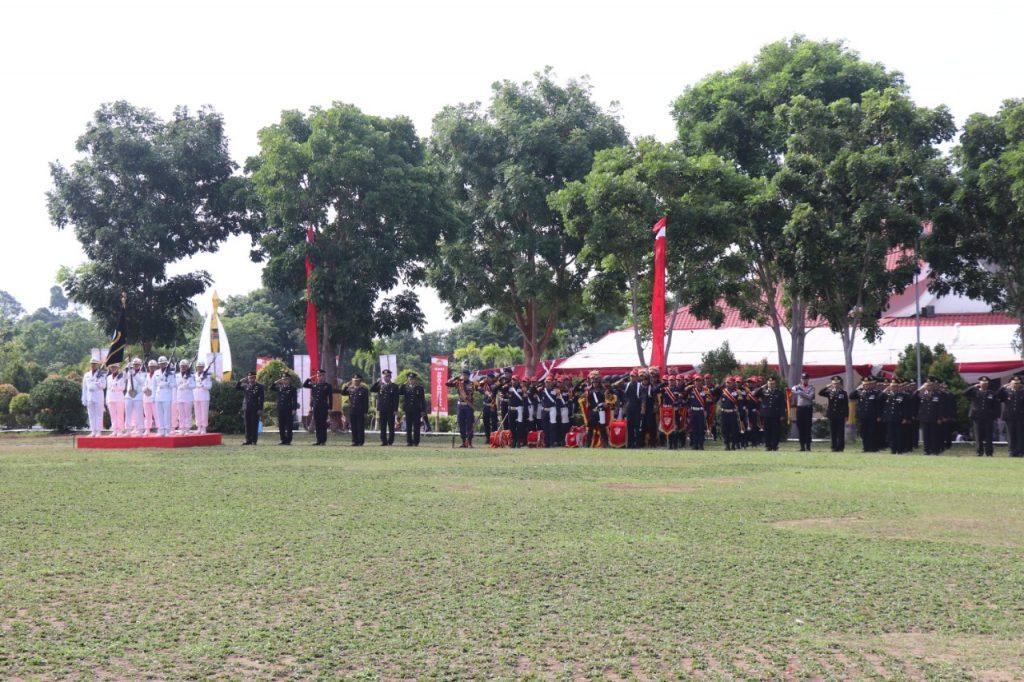 Drumband-Satpam-Canka-Putra-Perkasa-ikut-upacara-pada-HUT-Bhayangkara-ke-73-tahun-2019-di-Mapolda-Kepri