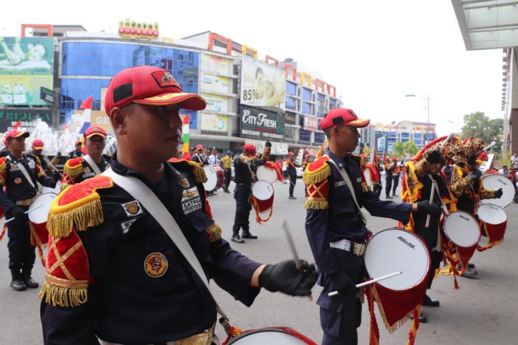 Drumband-Satpam-Canka-Putra-Perkasa-Kirab-di-Nagoya-Hill-Mall-17-Agustus-2019-1