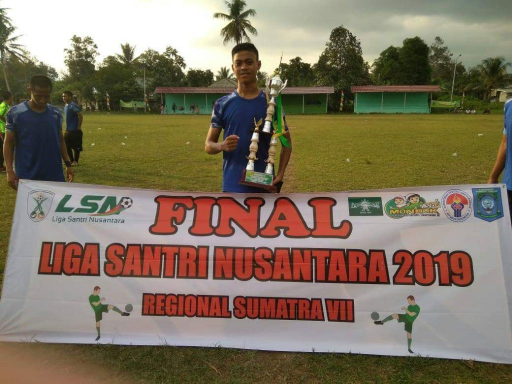 Satpam-berprestasi-dibidang-olahraga-Liga-Santri-Nusantara-2019