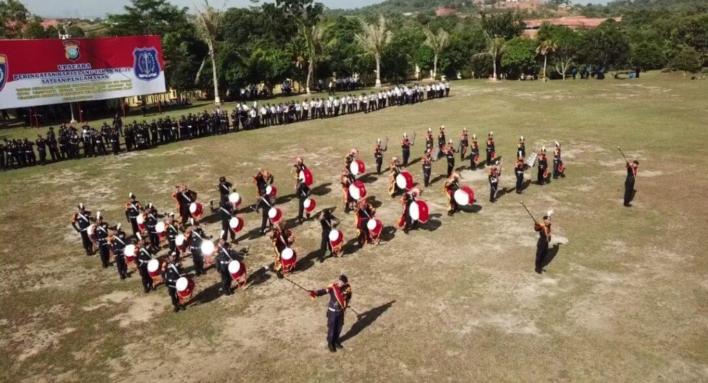 Drumband Satpam Canka Putra Perkasa tampil dalam HUT Satpam ke 39 di Mapolda Kepri