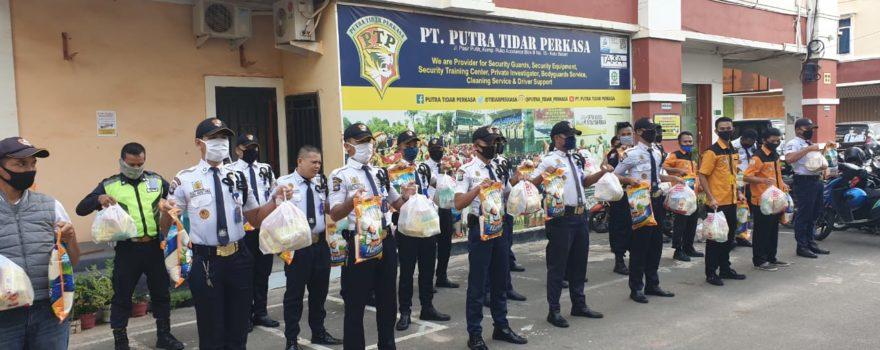 PTP Bagi-bagi sembako kepada Karyawannya yang terdampak Covid-19