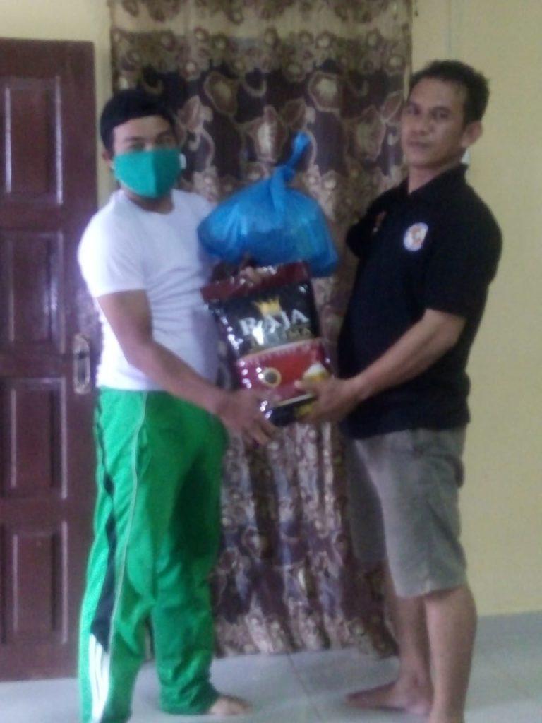 Penyerahan Sembako kepada personil Satpam PTP Bintan yang terkena dampak Covid-19 - 2