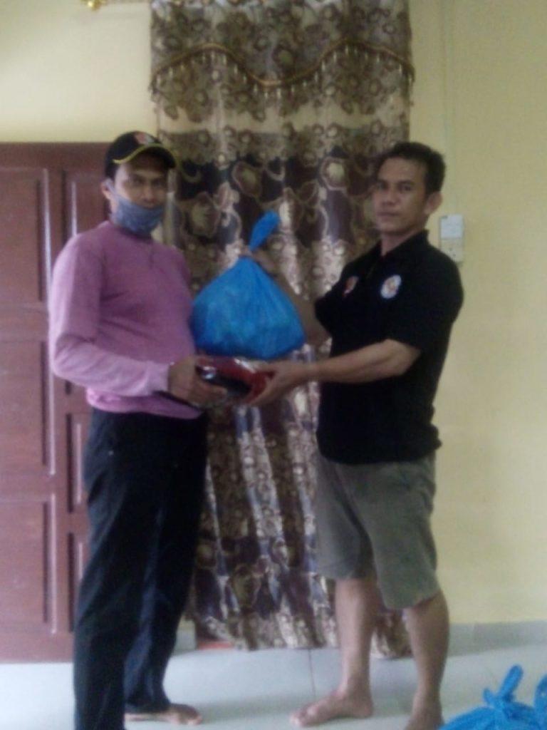 Penyerahan Sembako kepada personil Satpam PTP Bintan yang terkena dampak Covid-19 - 3