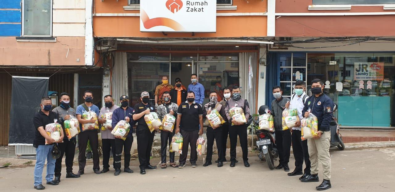 PTP Bagi-bagi Sembako dari Hasil Donatur