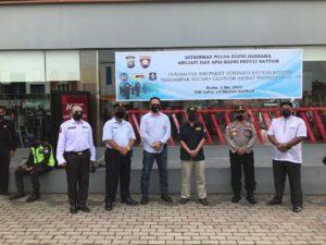 Ditbinmas Polda Kepri bersama Abujapi & APSI Salurkan 500 Paket Sembako kepada Satpam Terdampak Wabah Covid-19