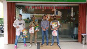 Menjelang Lebaran Idul Fitri PTP Bagikan 100 Paket Sembako
