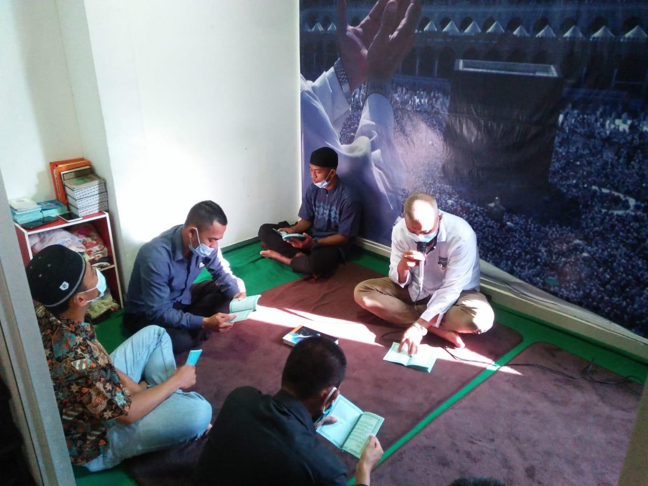 Read more about the article Tingkatkan Keimanan dan Giat Positif, PTP Ajak Satpamnya Yasinan & Doa Bersama