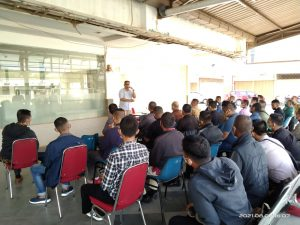 Read more about the article Jaga Layanan diUnit,Dirut PTP Berikan Briefing Kepada Para Leader